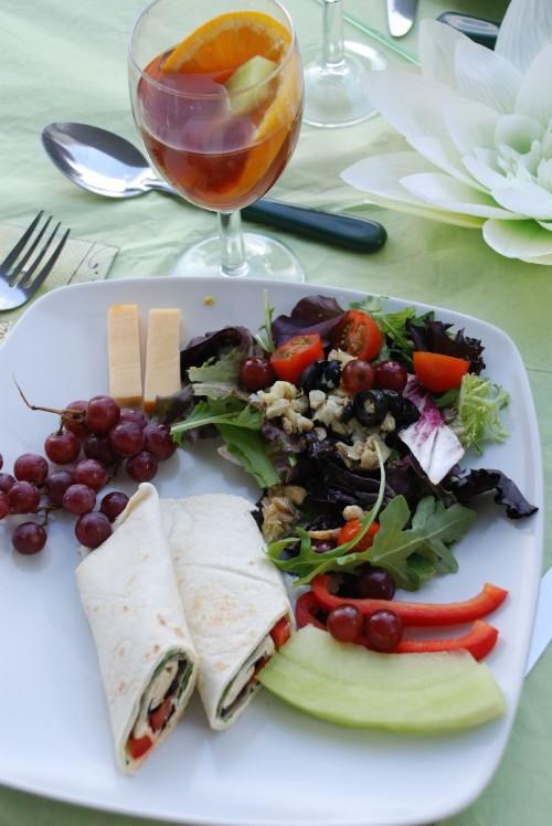 Nourriture champêtre dans une assiette